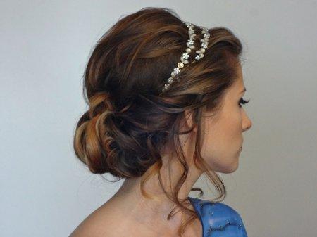 Як зробити зачіску в грецькому стилі