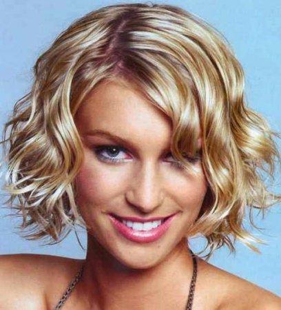 Зачіски для каре: як створити гарну укладку на короткі волосся своїми руками