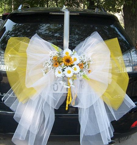 Як прикрасити машину на весілля своїми руками