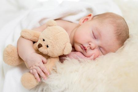 Розвиток дитини від народження до року