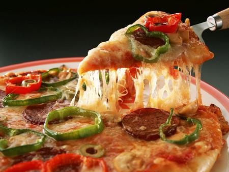 Як приготувати піцу дешево і смачно