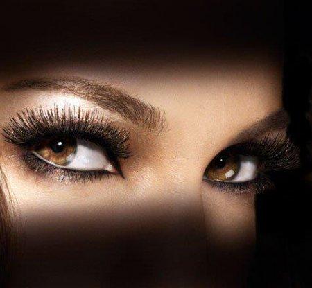 Макіяж очей: секрети і особливості