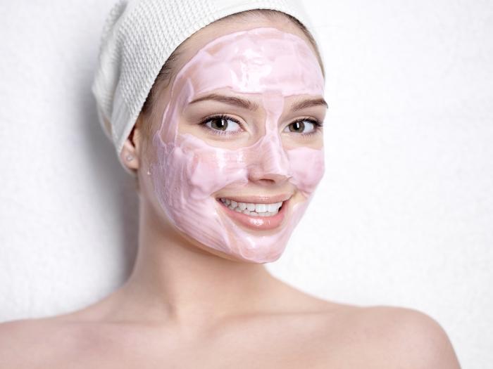 Очищаючі маски для обличчя: рецепти масок для домашнього застосування