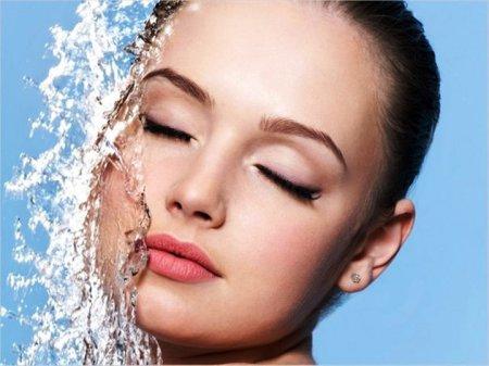 Як доглядати за сухою шкірою обличчя